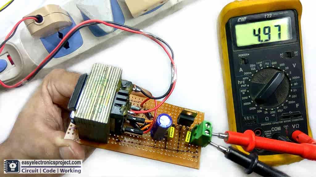 5V DC supply using 7805 IC